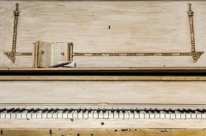 piano-1245645_1920